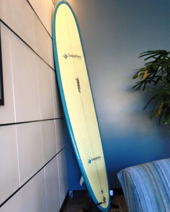 roadie delivers ship a surfboard
