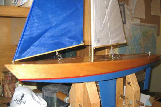 Send small sailboats with Roadie's shipping solutions