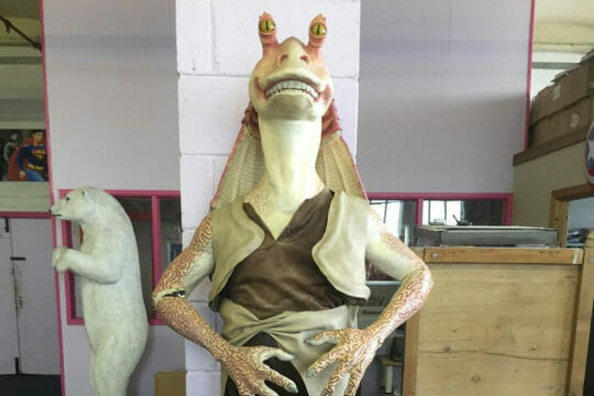 Delivery solutions for your Jar Jar Binks statue and other collectibles