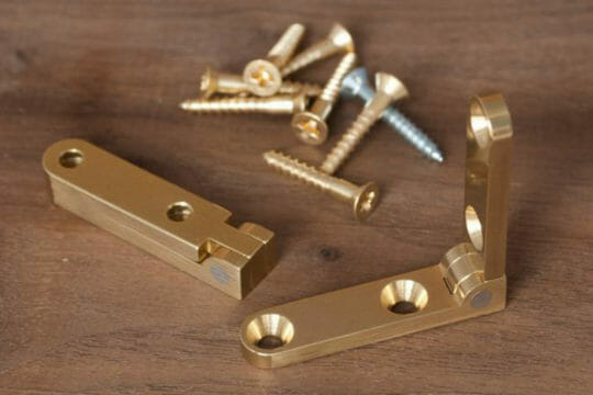 Send hinges with same-day shipping